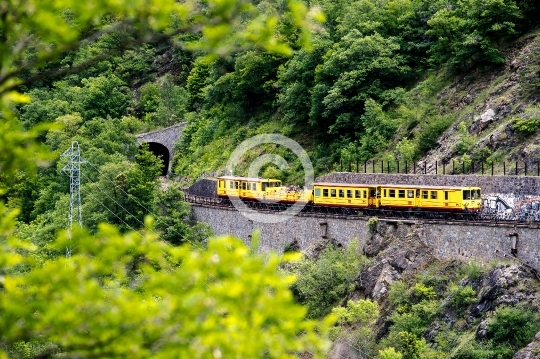 Petit train Jaune